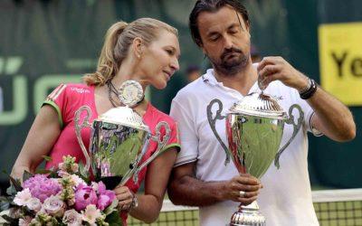 Tennis-Königin Steffi Graf 2011 in Halle/Westfalen im Show-Doppel mit Ex-Profi Henri Leconte